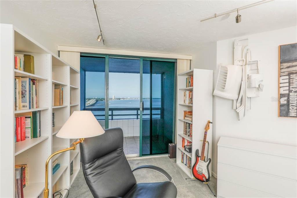 Master Bedroom - Condo for sale at 888 Blvd Of The Arts #1505, Sarasota, FL 34236 - MLS Number is A4442061