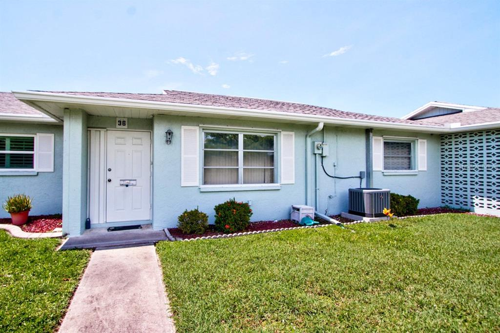 Condo for sale at 1017 Beach Manor Ctr #36, Venice, FL 34285 - MLS Number is A4444731