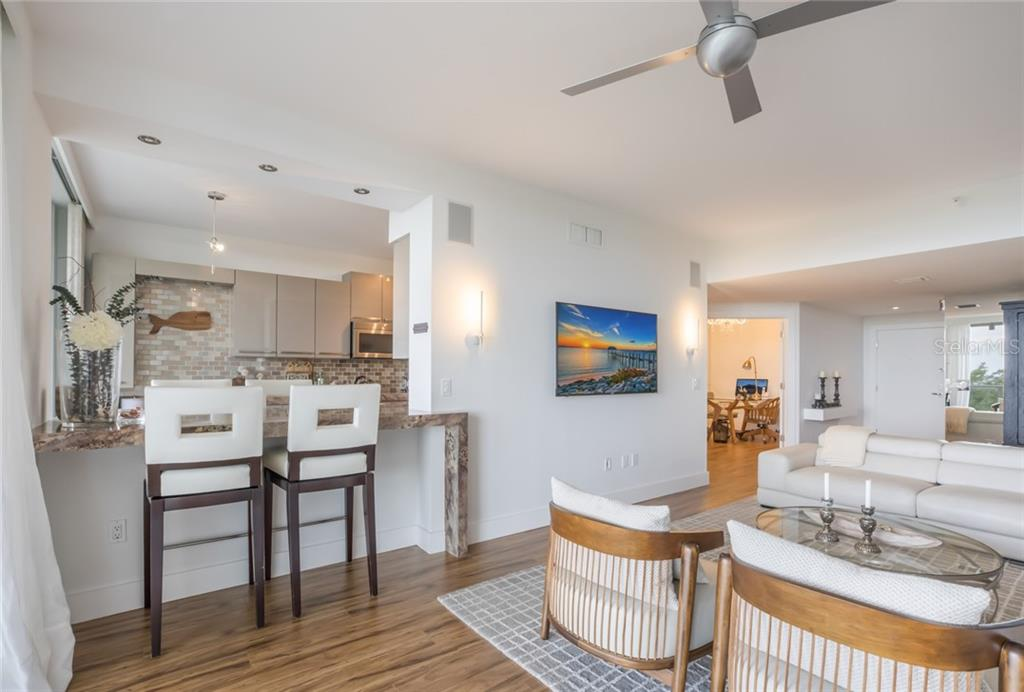Breakfast Bar. - Condo for sale at 1800 Benjamin Franklin Dr #B408, Sarasota, FL 34236 - MLS Number is A4444789