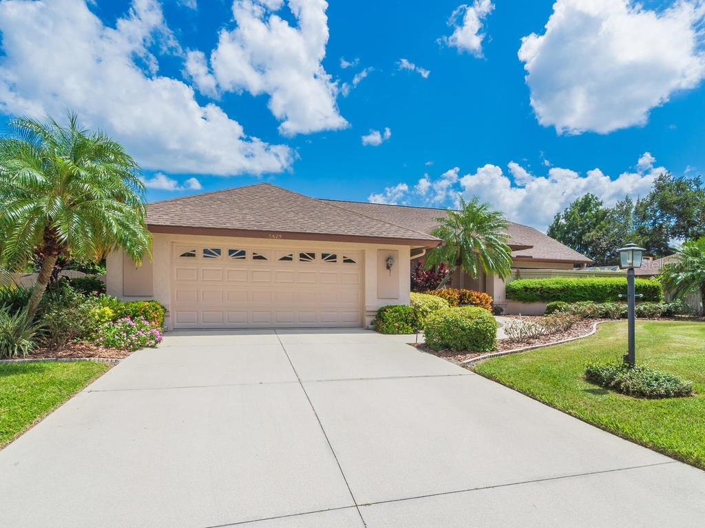 Single Family Home for sale at 5429 Beneva Woods Way, Sarasota, FL 34233 - MLS Number is A4446007