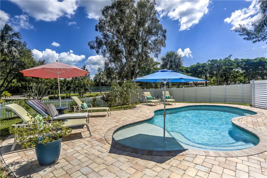 Property Disclosure - Single Family Home for sale at 600 Marbury Ln, Longboat Key, FL 34228 - MLS Number is A4446401