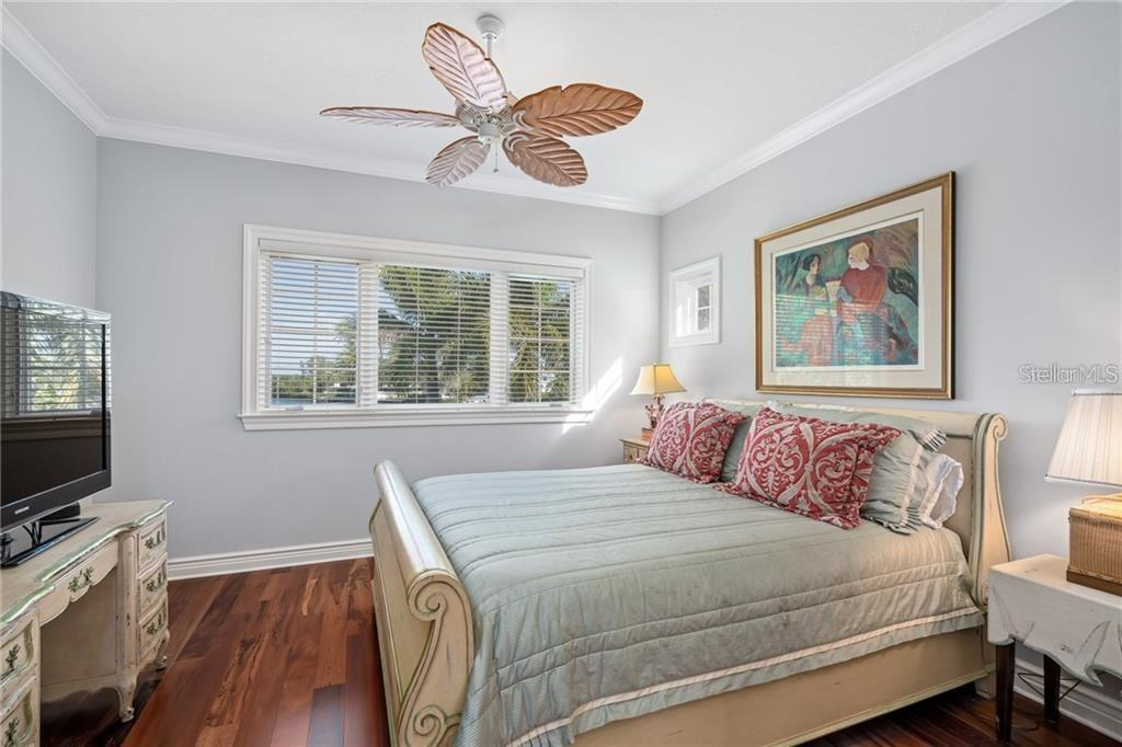 Guest bed | Second floor. - Single Family Home for sale at 711 Mangrove Point Rd, Sarasota, FL 34242 - MLS Number is A4447637