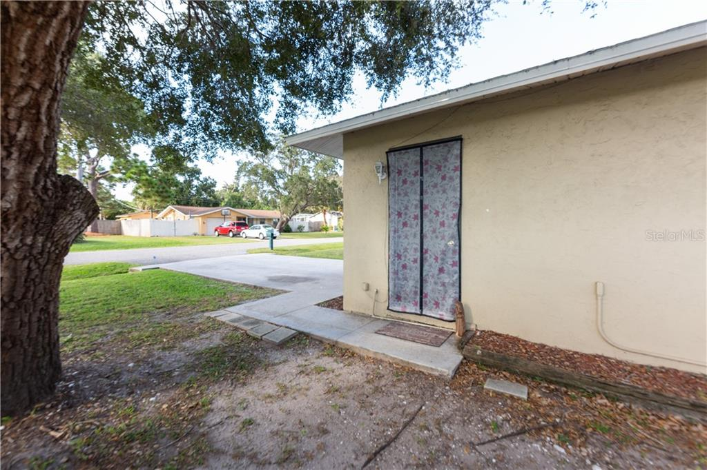 Private side entry for Studio apartment - Duplex/Triplex for sale at 311 Coronado Rd, Venice, FL 34293 - MLS Number is A4449208