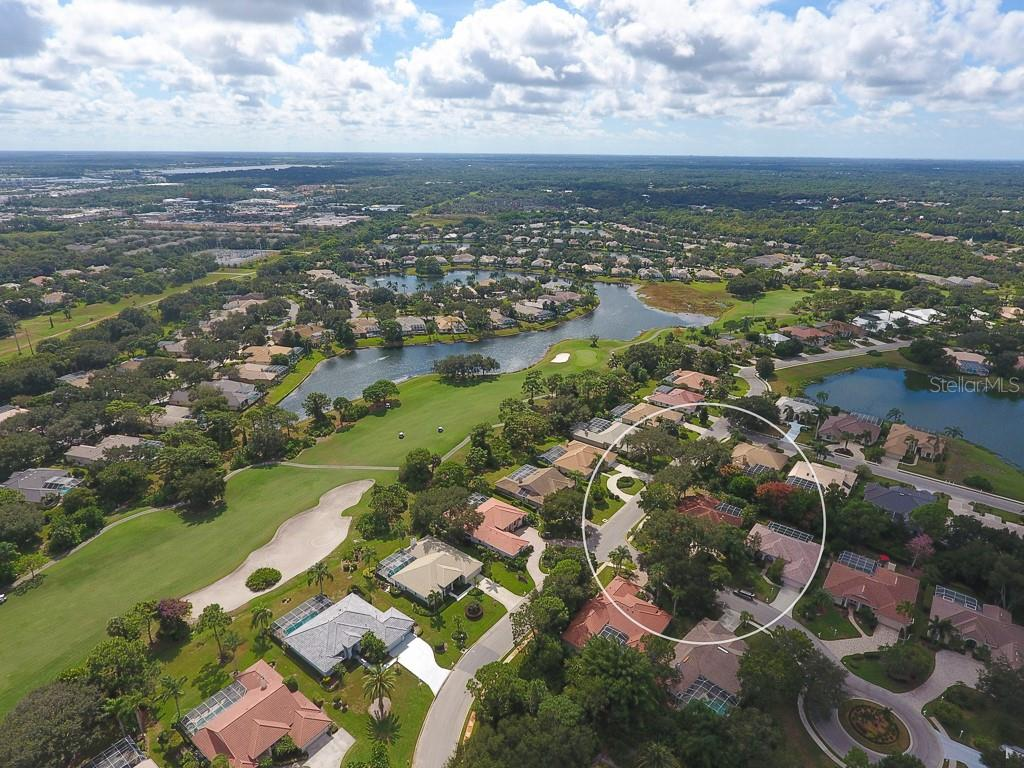 An private area to enjoy the outdoors - Single Family Home for sale at 6620 Hunter Combe Xing, University Park, FL 34201 - MLS Number is A4450282