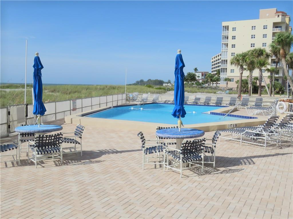 Another view of the pool. - Condo for sale at 555 The Esplanade N #102, Venice, FL 34285 - MLS Number is A4450635
