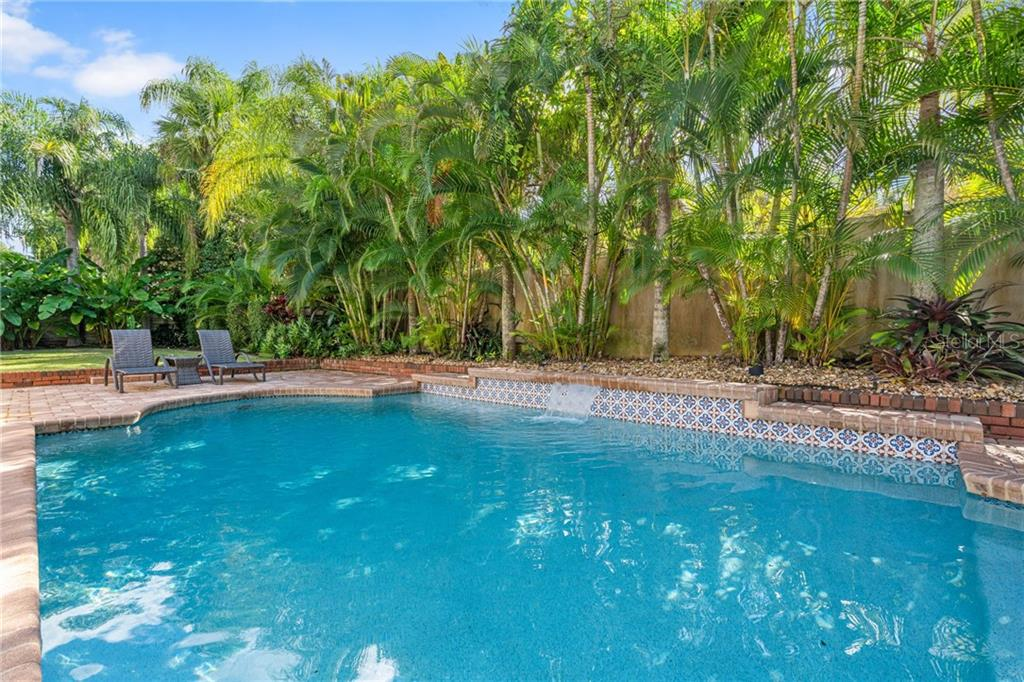 Single Family Home for sale at 1670 Bay View Dr, Sarasota, FL 34239 - MLS Number is A4451199
