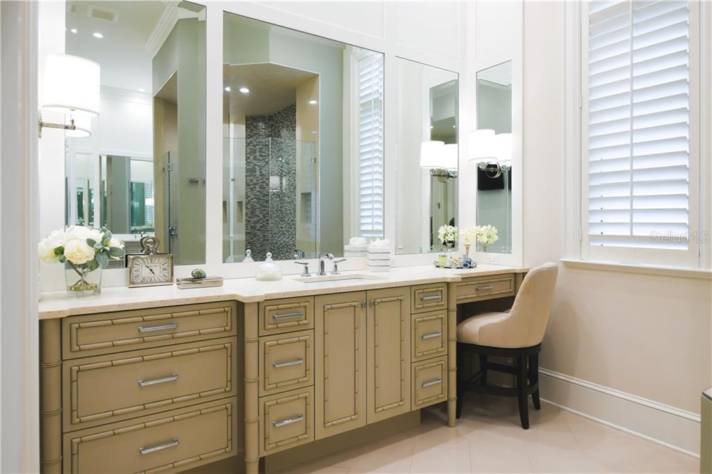 Her Master Vanity with Make-up Area. - Single Family Home for sale at 16119 Baycross Dr, Lakewood Ranch, FL 34202 - MLS Number is A4452632