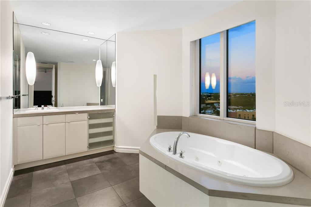 Master bath. - Condo for sale at 500 S Palm Ave #91, Sarasota, FL 34236 - MLS Number is A4454405