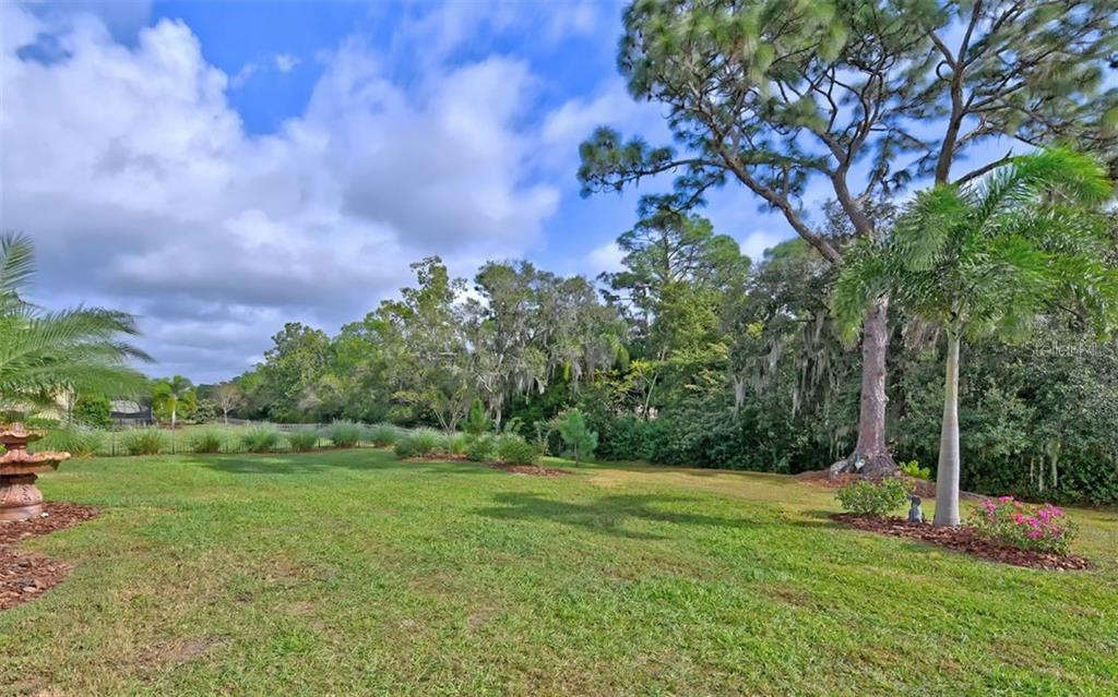 A big private, peaceful backyard! - Single Family Home for sale at 8260 Larkspur Cir, Sarasota, FL 34241 - MLS Number is A4455087