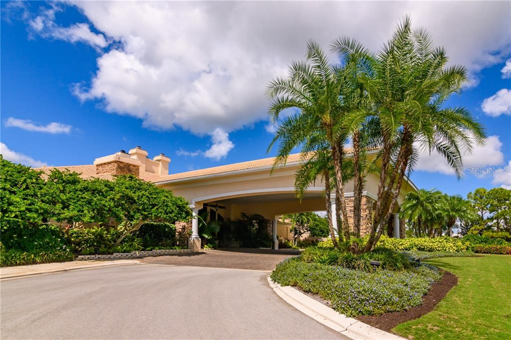 Heritage Oaks Club House - Villa for sale at 4560 Samoset Dr, Sarasota, FL 34241 - MLS Number is A4455487