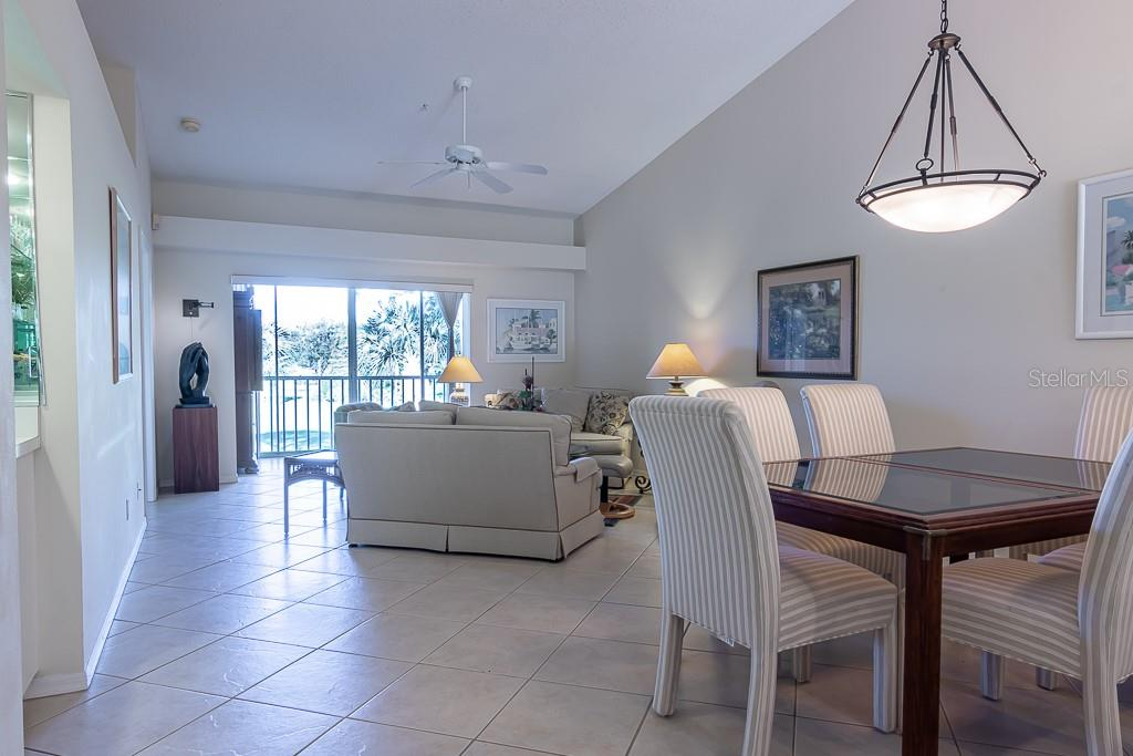 High ceilings and lots of natural light - Condo for sale at 9570 High Gate Dr #1722, Sarasota, FL 34238 - MLS Number is A4457005