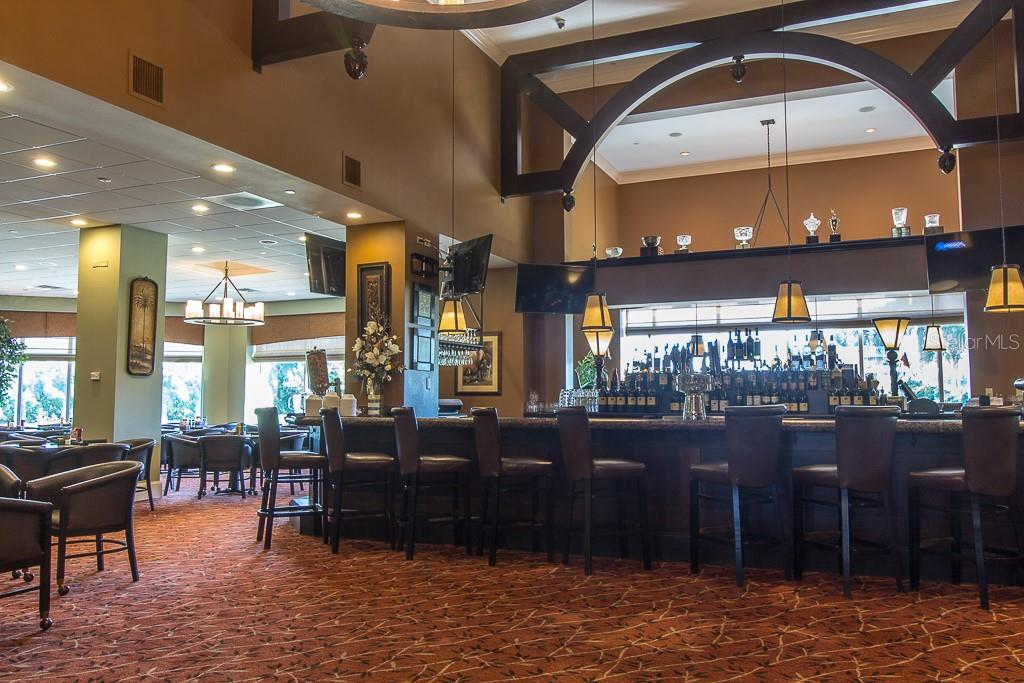 Full service restaurant/lounge and clubhouse - Condo for sale at 9570 High Gate Dr #1722, Sarasota, FL 34238 - MLS Number is A4457005