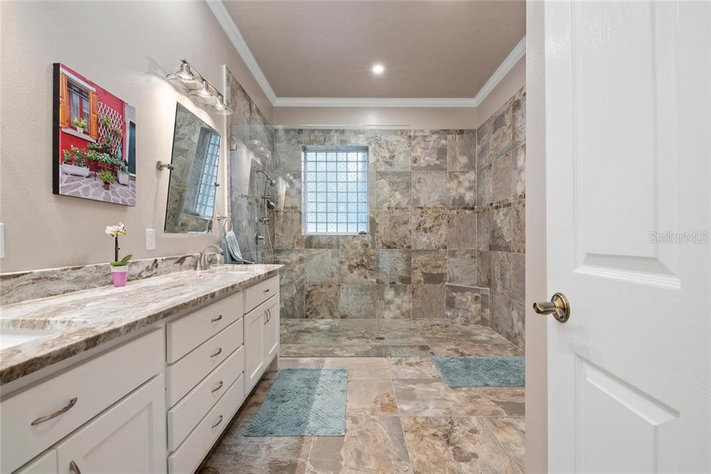 Master bathroom - Single Family Home for sale at 448 Baynard Dr, Venice, FL 34285 - MLS Number is A4459566