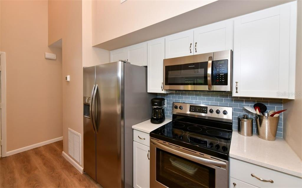 Great use of space with accent subway tile backsplash - Condo for sale at 4613 Morningside #30, Sarasota, FL 34235 - MLS Number is A4460777