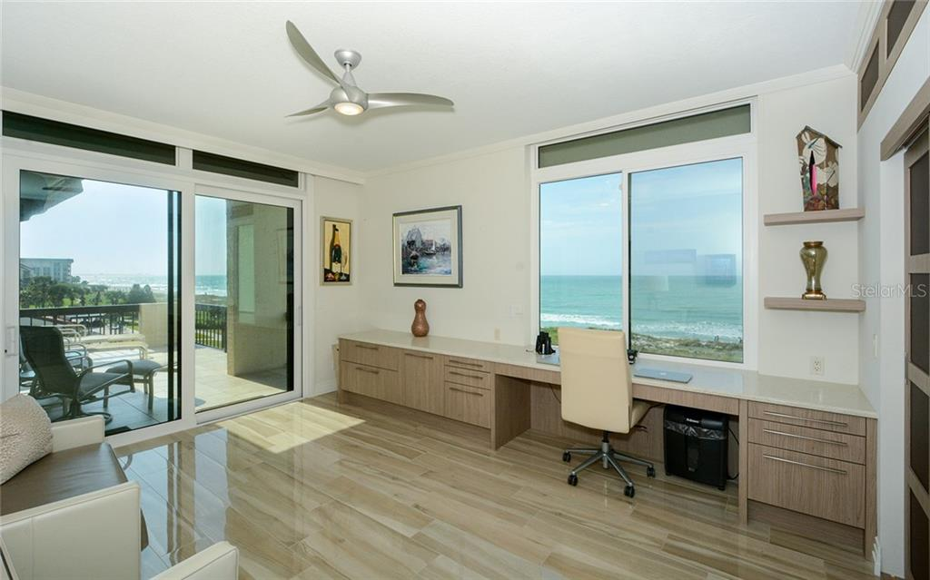 Condo for sale at 1965 Gulf Of Mexico Dr #G5-406, Longboat Key, FL 34228 - MLS Number is A4461335