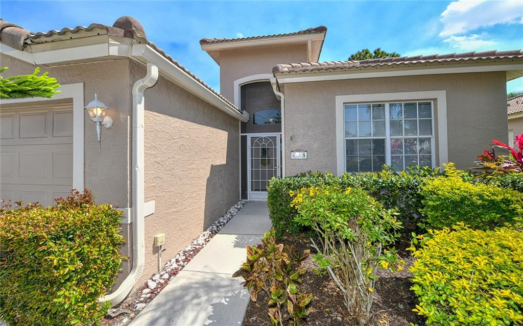 HOA Disclosure - Villa for sale at 4605 Samoset Dr, Sarasota, FL 34241 - MLS Number is A4463082