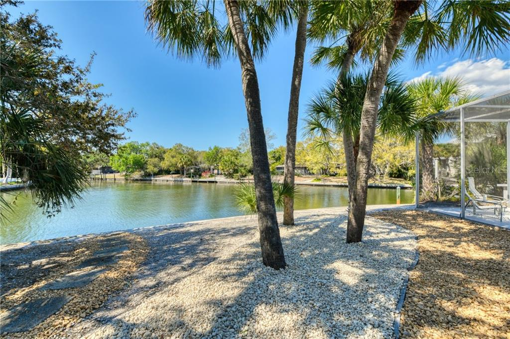 Single Family Home for sale at 801 Idlewild Way, Sarasota, FL 34242 - MLS Number is A4463738