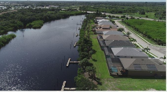 Homes showing Docks - Single Family Home for sale at 5485 56th Ct E, Bradenton, FL 34203 - MLS Number is A4463869