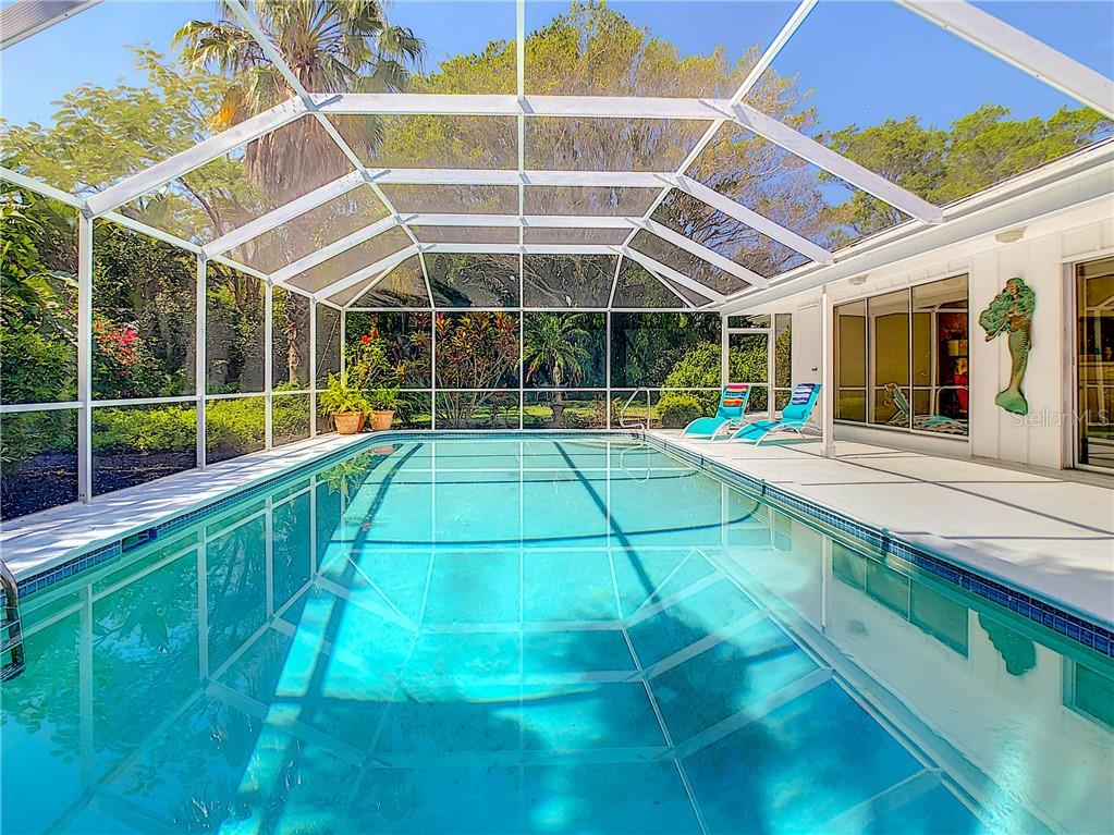Single Family Home for sale at 210 Seagull Ln, Sarasota, FL 34236 - MLS Number is A4463916