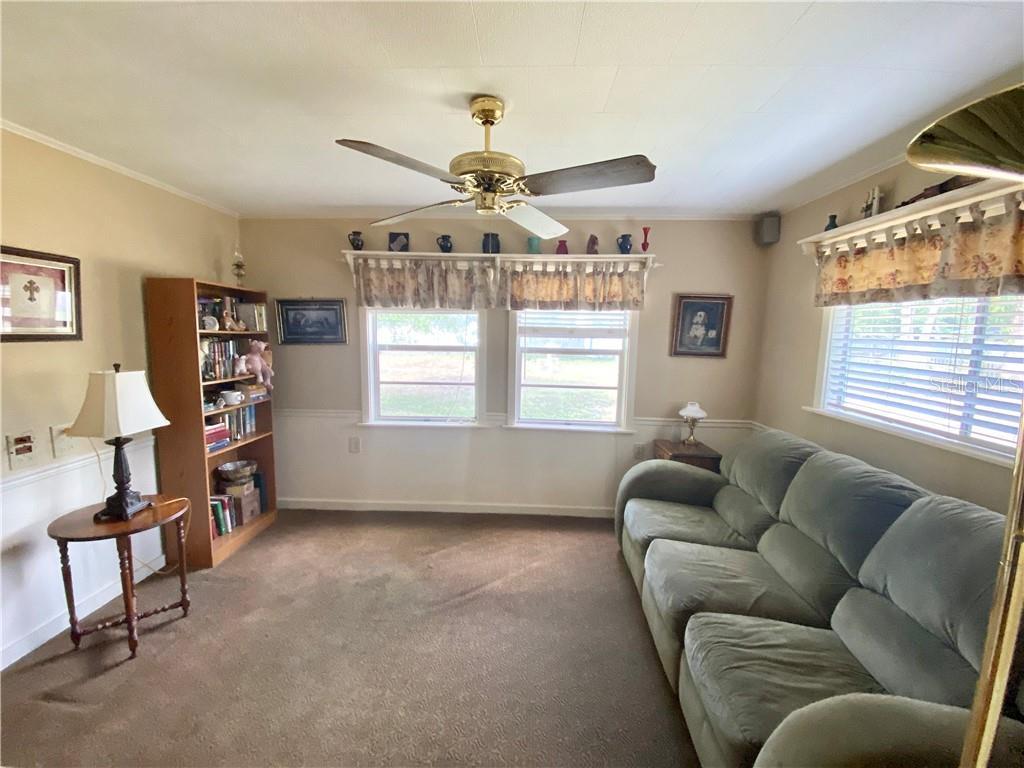 Florida Room, view to the back yard. - Single Family Home for sale at 4300 Eastern Pkwy, Sarasota, FL 34233 - MLS Number is A4464200