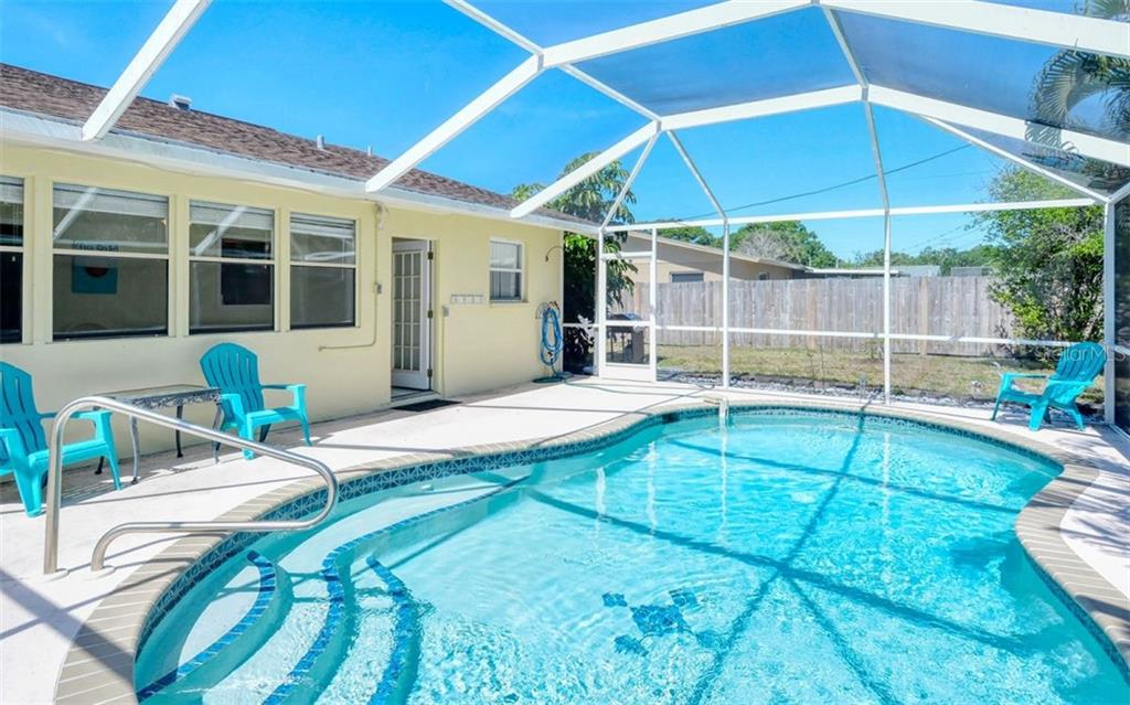 Single Family Home for sale at 3335 Roslyn Rd, Venice, FL 34293 - MLS Number is A4464710