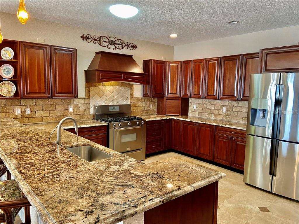 Single Family Home for sale at 203 N 18th St W, Bradenton, FL 34205 - MLS Number is A4464716