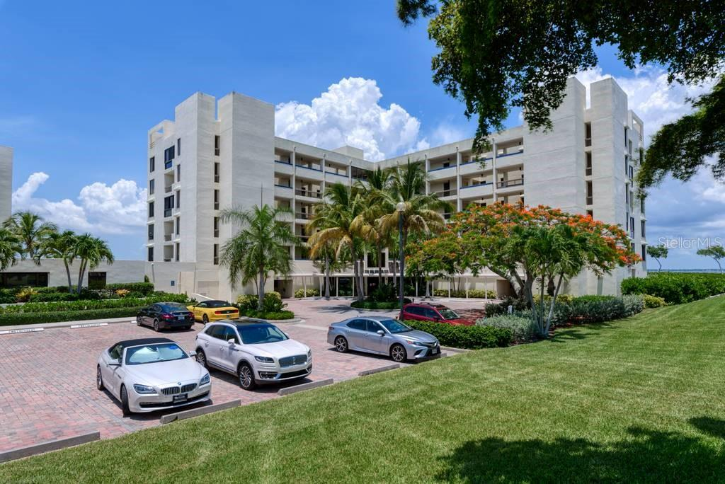 Plenty of parking available - Condo for sale at 2016 Harbourside Dr #352, Longboat Key, FL 34228 - MLS Number is A4470767