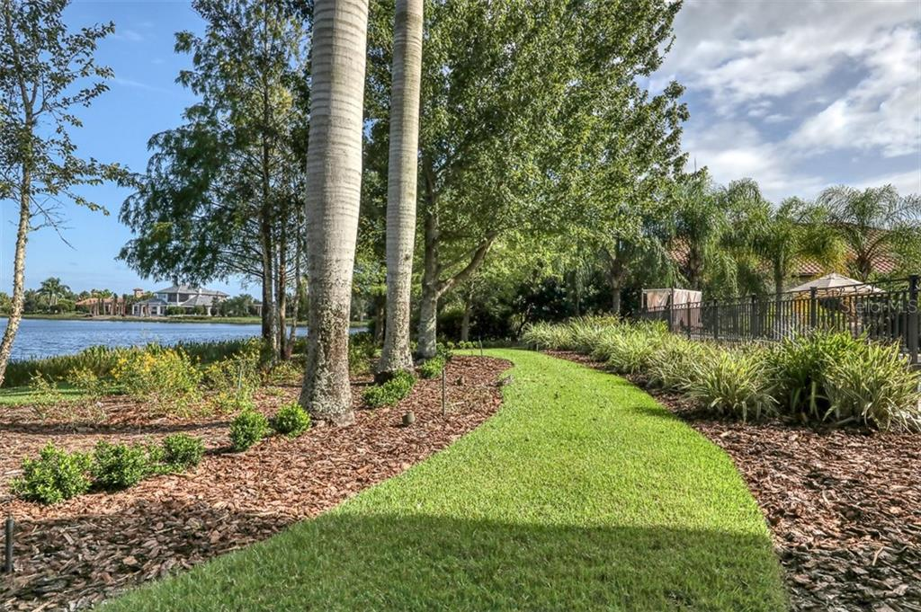 Single Family Home for sale at 16505 Baycross Dr, Lakewood Ranch, FL 34202 - MLS Number is A4471839