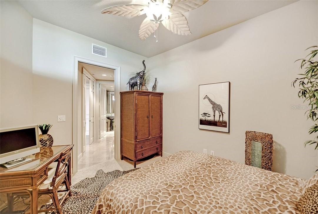 En suite bathroom with walk in shower - Condo for sale at 1300 Benjamin Franklin Dr #708, Sarasota, FL 34236 - MLS Number is A4471978