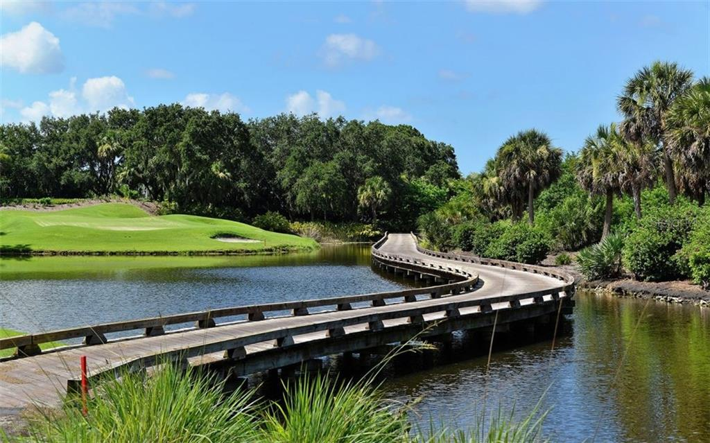 Golf course - Single Family Home for sale at 462 E Macewen Dr, Osprey, FL 34229 - MLS Number is A4476181