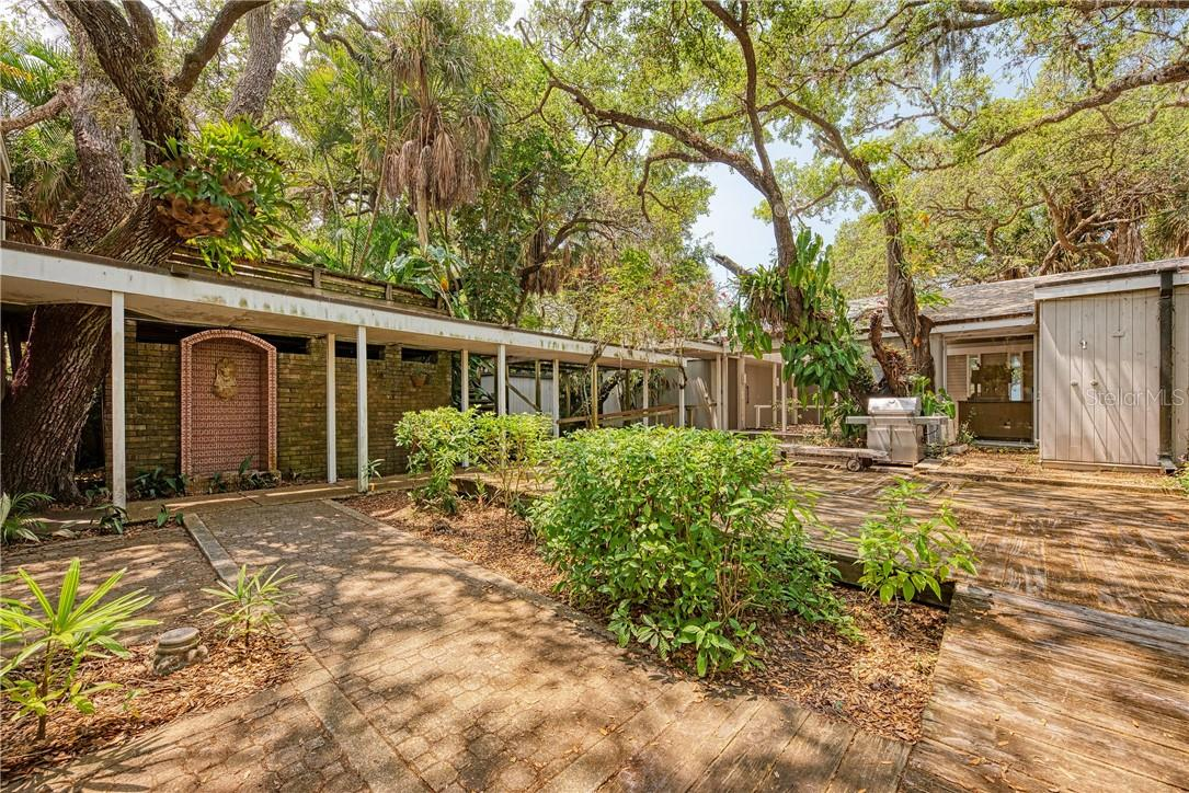Single Family Home for sale at 4173 Shell Rd, Sarasota, FL 34242 - MLS Number is A4477155