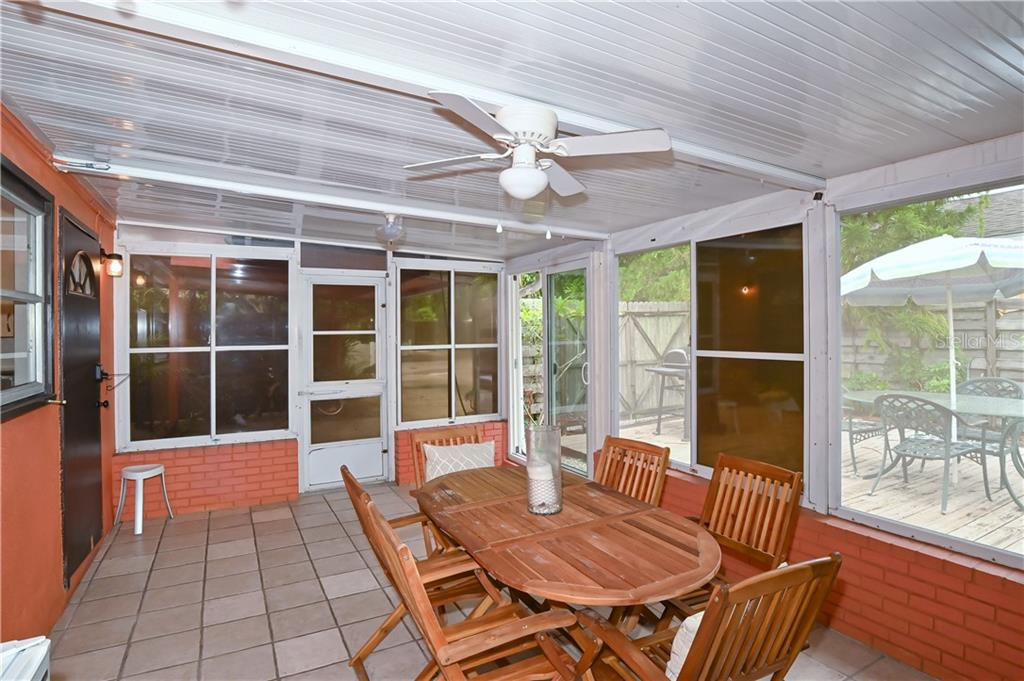 Single Family Home for sale at 507 Madison Ct, Sarasota, FL 34236 - MLS Number is A4479299