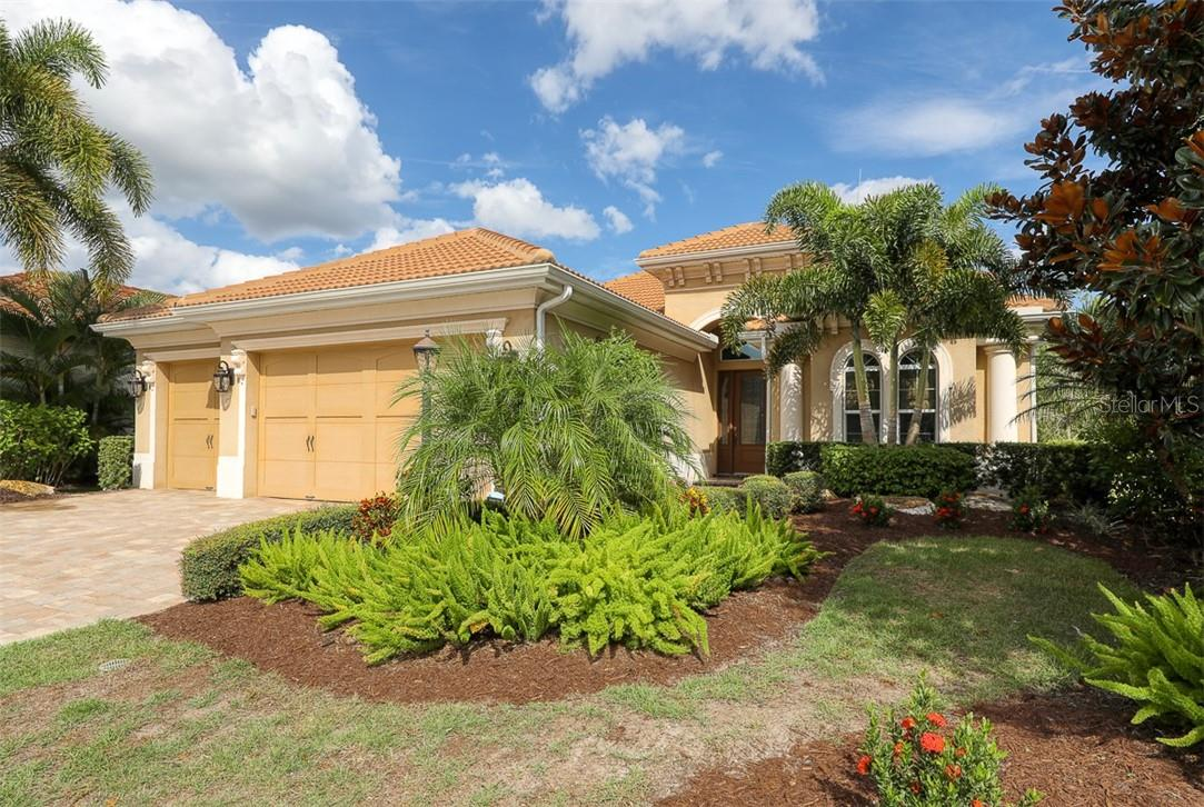 CDD - Single Family Home for sale at 7425 Haddington Cv, Lakewood Ranch, FL 34202 - MLS Number is A4479719