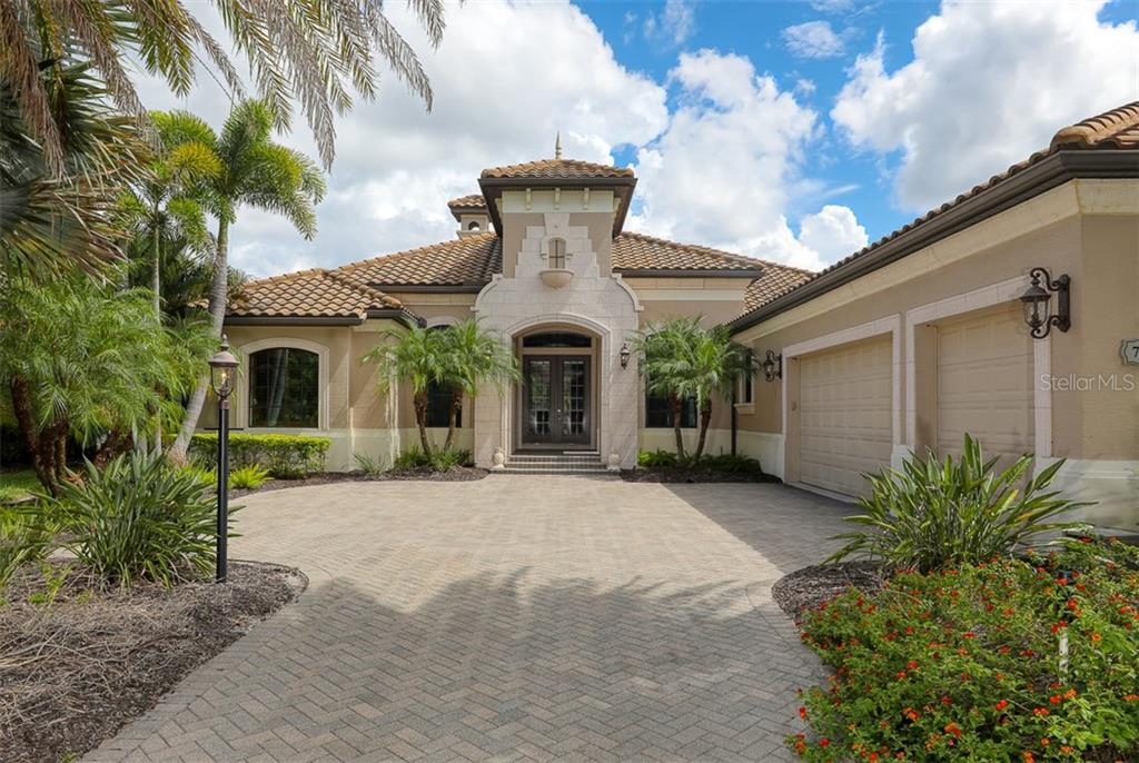 Single Family Home for sale at 7319 Greystone St, Lakewood Ranch, FL 34202 - MLS Number is A4479790