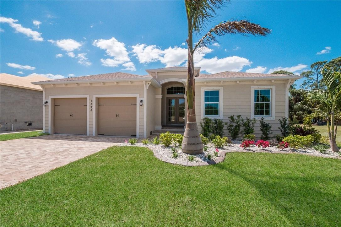 Single Family Home for sale at 5481 56th Ct E, Bradenton, FL 34203 - MLS Number is A4480246