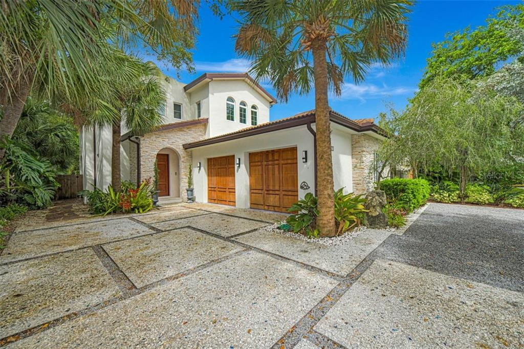 Single Family Home for sale at 1767 Arlington St, Sarasota, FL 34239 - MLS Number is A4480476
