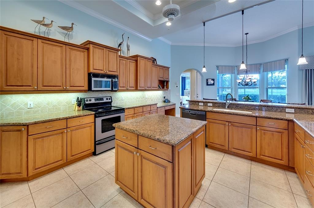 Single Family Home for sale at 13506 Montclair Pl, Lakewood Ranch, FL 34202 - MLS Number is A4482010