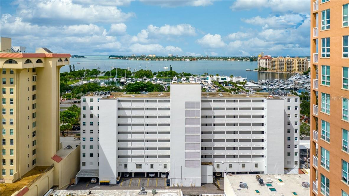 East side of building Exterior - Condo for sale at 33 S Gulfstream Ave #405, Sarasota, FL 34236 - MLS Number is A4489097