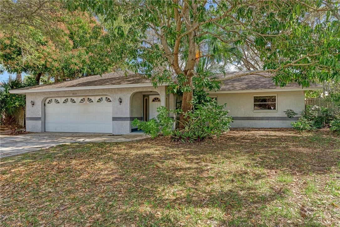 Seller's Property Disclosure - Single Family Home for sale at 3935 S Shade Ave, Sarasota, FL 34231 - MLS Number is A4489158