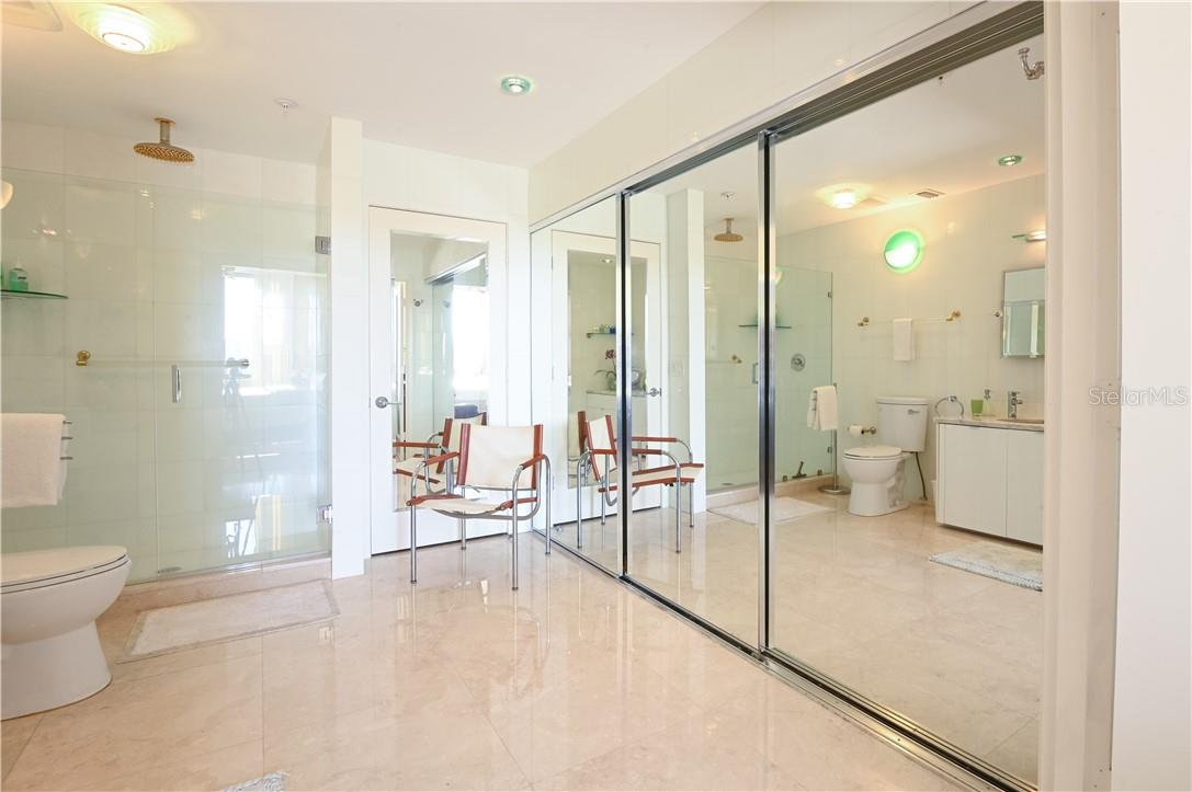 Bright Master Bath-Room with Walk-In Shower - Condo for sale at 1945 Gulf Of Mexico Dr #M2-505, Longboat Key, FL 34228 - MLS Number is A4489188