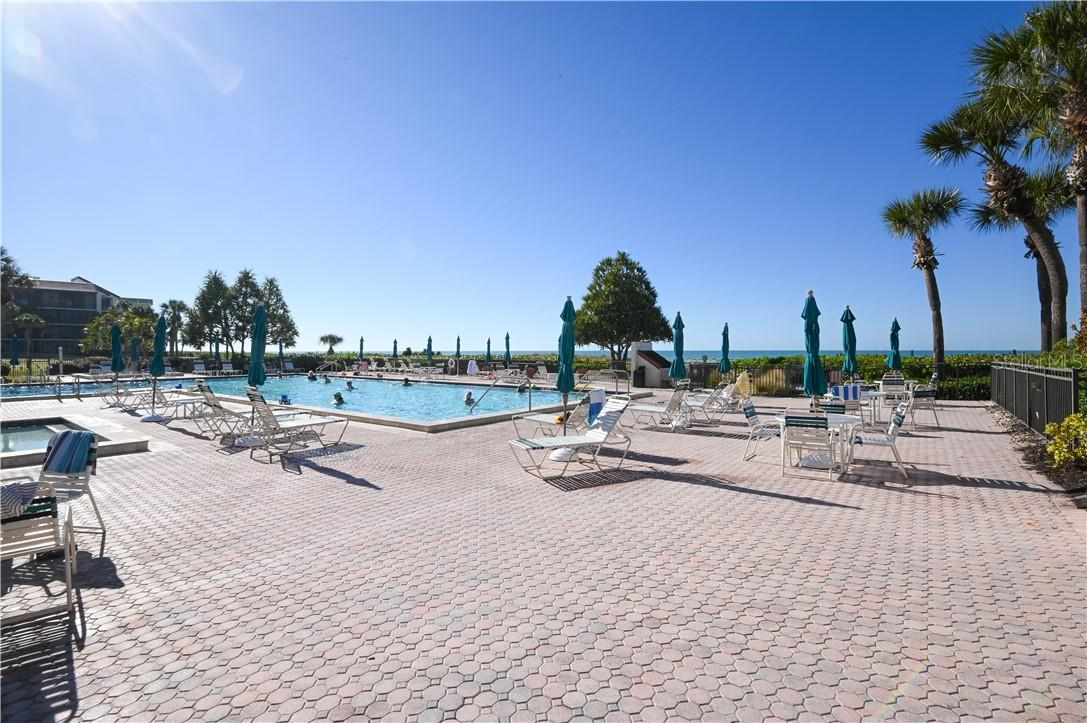 Seaplace Tennis Courts with Lights - Condo for sale at 1945 Gulf Of Mexico Dr #M2-505, Longboat Key, FL 34228 - MLS Number is A4489188