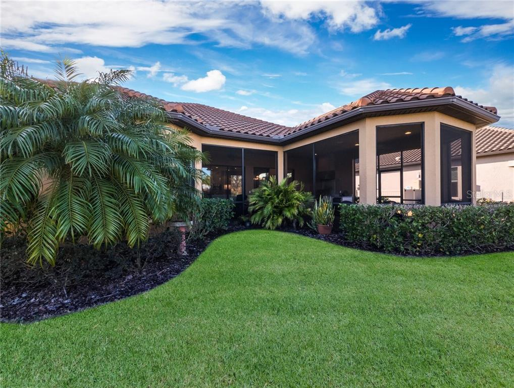 Single Family Home for sale at 5019 Napoli Run, Bradenton, FL 34211 - MLS Number is A4492029