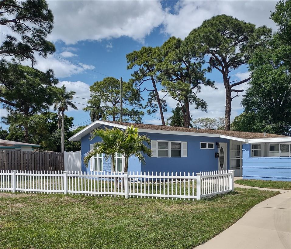 SPD - Single Family Home for sale at 4902 7th Ave W, Bradenton, FL 34209 - MLS Number is A4492742