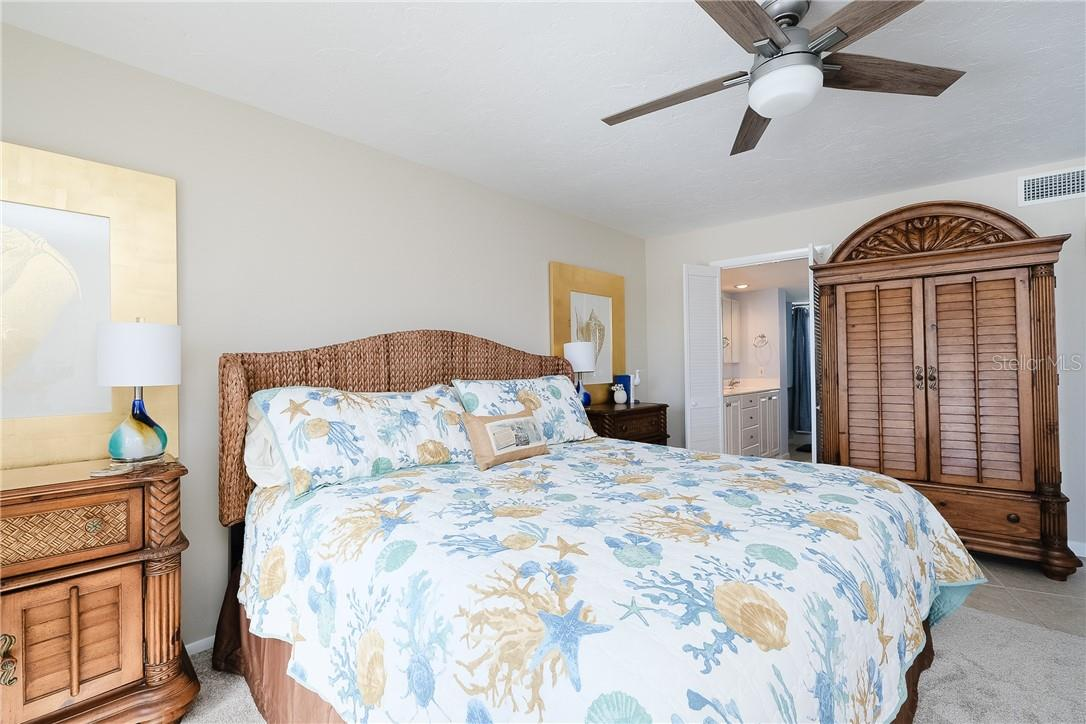 Master Bedroom - Condo for sale at 6300 Midnight Pass Rd #701, Sarasota, FL 34242 - MLS Number is A4496847