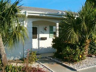 9806 Dorado Ave, Bradenton, FL 34210
