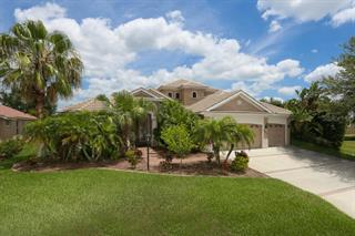 6915 Honeysuckle Trl, Lakewood Ranch, FL 34202