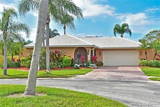 6646 Waterford Ln, Sarasota, FL 34238