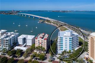 136 Golden Gate Pt #302, Sarasota, FL 34236