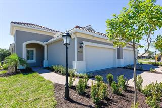 7009 Costa Bella Dr, Bradenton, FL 34209