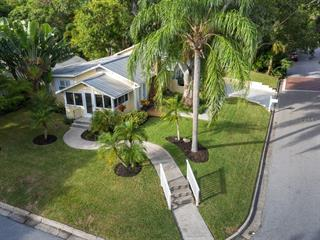 1750 Bay View Dr, Sarasota, FL 34239